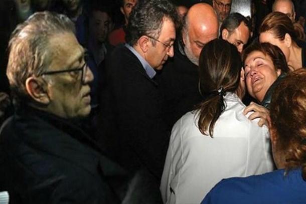 Acı haber uçaktan inince verildi, evlat acısıyla yıkıldı!