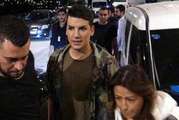 Kerimcan Durmaz konserinde ortalık karıştı!
