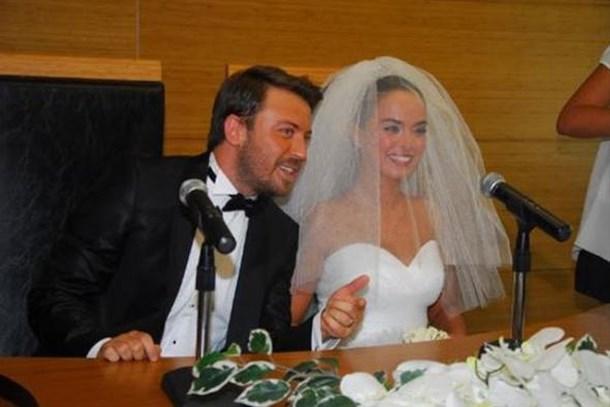 Tolga Güleç ile Yeliz Şar boşandı! 2012'de başlayan aşk bitti!