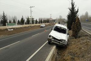 Kütahya'da otomobilin uygulama noktasında polise çarpması