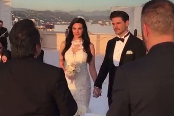 Almeda Abazi'den düğün sonrası 'tebrik' sitemi!