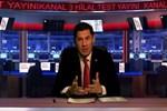 Ünlü siyasetçi kendi TV kanalını kurdu, spikerler arıyor!