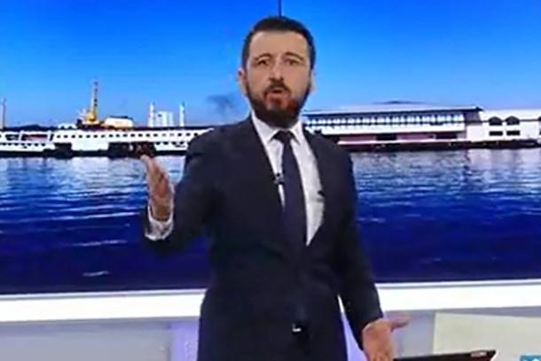 Akit TV'de Müjdat Gezen saldırısı: Sidik kokuyor, p...enk, kerhane işlet...