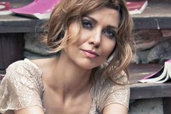 İngiltere Elif Şafak'ın son romanını konuşuyor!