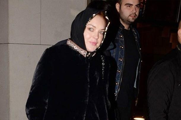 Lindsay Lohan'a başörtüsü engeli: Çıkar dediler, çıkardım!
