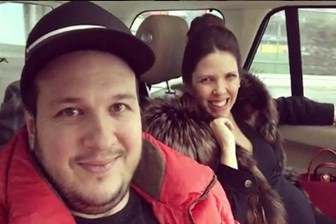Şahan Gökbakar'dan eşine: Kocan rekor kırdı, öv beni!
