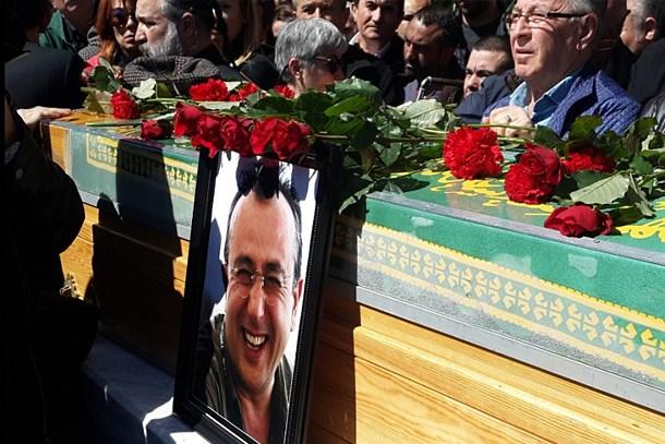 Gazeteci Tayfun Talipoğlu son yolculuğuna uğurlandı!