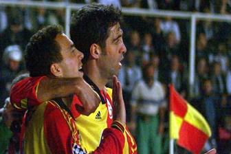 Galatasaray, Hakan Şükür ve Arif Erdem'i ihraç etmedi, Bakan tepki gösterdi!