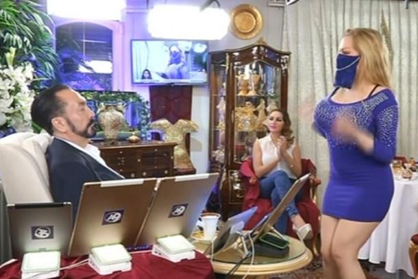 Adnan Oktar'dan Erdoğan'a tavsiyeler: Tayyip Hocamın yanında dekolte kadınlar bulunsun!
