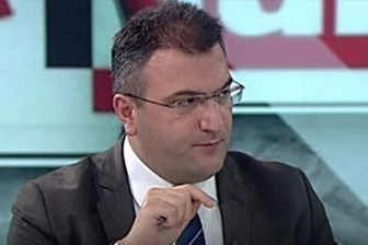 AKP'den Cem Küçük'e ilk darbe!