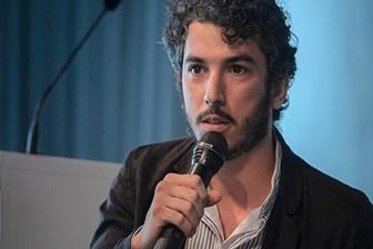 Açlık grevine başlayan İtalyan gazeteci sınır dışı edildi