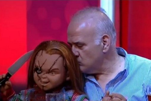 Ahmet Çakar programa Chucky ile çıktı, sosyal medya yıkıldı!