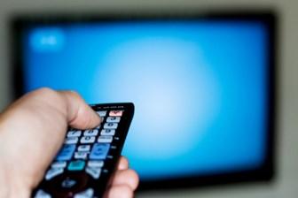 Cuma gününün reyting zirvesinde hangi program yer aldı?