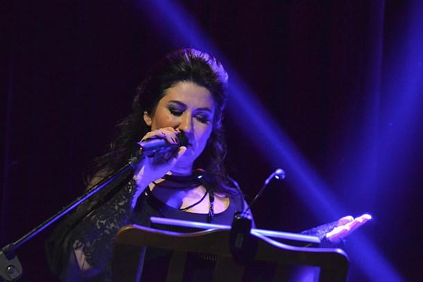 İclal Aydın'dan şiir ve müzik ziyafeti!