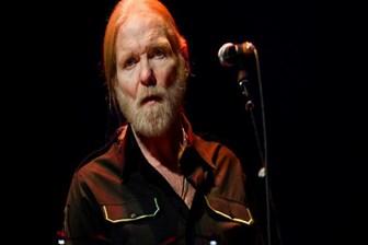 Ünlü rock grubunun solisti hayatını kaybetti!