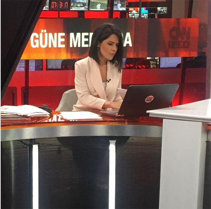 Gülay Özdem, CNN Türk'ün reytingini 'acayip' sıçrattı!
