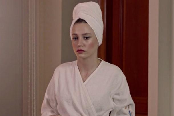 'Fi'nin sezon finalinde büyük hata! Serenay duştan bakın nasıl çıktı?