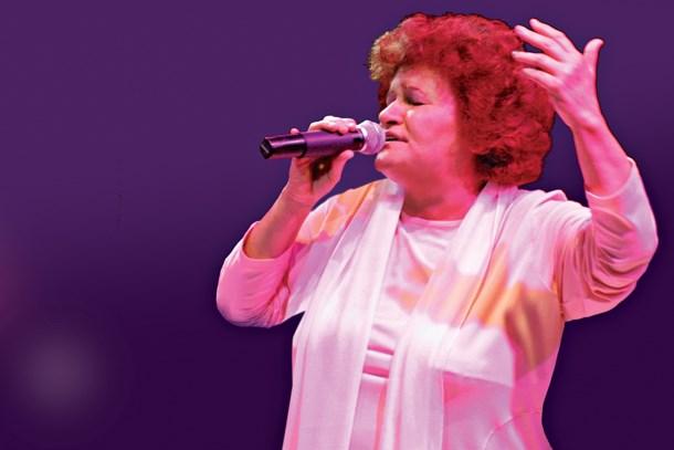 Selda Bağcan dünyaca ünlü festivalde sahne aldı!