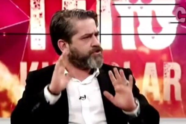 Akit TV'den Cumhuriyet ve Sözcü'ye destek!