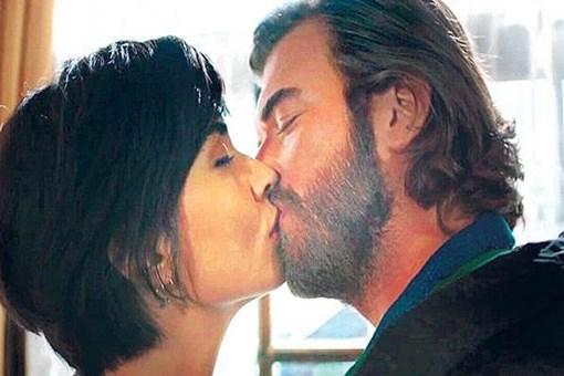 Kıvanç Tatlıtuğ'un eşi Başak Dizer resti çekti: Tuba ile öpüşmeyeceksin!