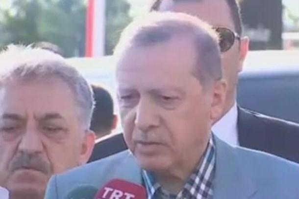 Cumhurbaşkanı Erdoğan camide rahatsızlık geçirdi! Sağlık durumu nasıl?