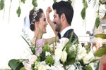 Fahriye Evcen ve Burak Özçivit dünya evine girdi! İşte yılın düğününden kareler...