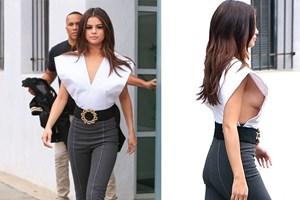 Selena Gomez yine çok cesur! Olay dekolte