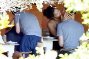 Metin Hara ve Adriana Lima Bodrum'da aşka geldi!