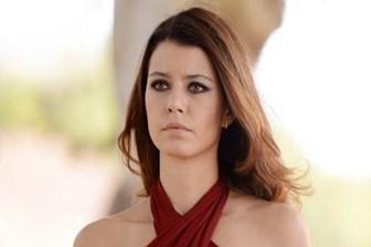Milliyet yazarı açıkladı: Beren Saat'in yeni dizisi için iki kanal kapışıyor!
