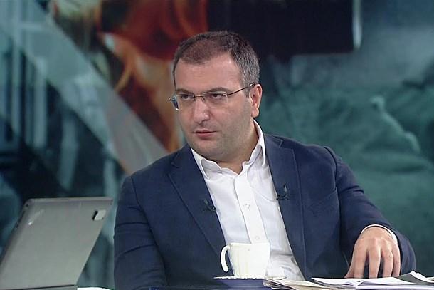 Cem Küçük Hürriyet Gazetesi'ni topa tuttu! Ey Aydın Doğan, Ey Fikret Bila!