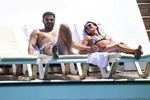Ebru Şallı yeni sevgilisiyle görüntülendi! İşte çiftin romantik anları...