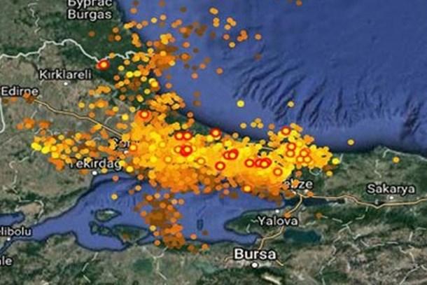 İstanbul'daki şimşekler haritada böyle görüntülendi!