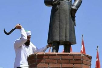 Ahmet Hakan Atatürk büstüne saldırıyı yazdı: Bu adam ya idraksiz, ya ahlaksız, ya da kuduruk