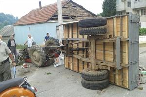 Düzce'de mevsimlik işçileri taşıyan traktörün devrilmesi