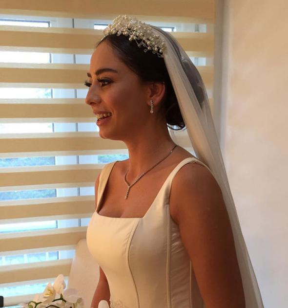 Ünlü oyuncu Merve Sevi sessiz sedasız evlendi