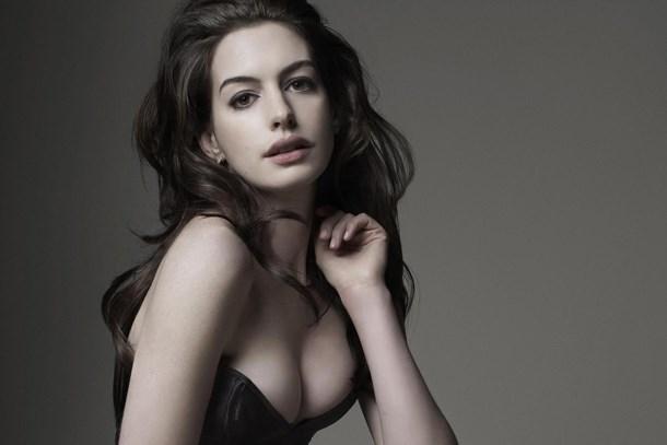Anne Hathaway şokta! Çıplak fotoğrafları sızdırıldı!