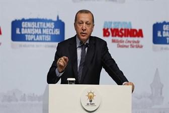 Cumhurbaşkanı Erdoğan bazı köşe yazarlarının kulağını çekti: Kimse benim adıma racon kesemez!