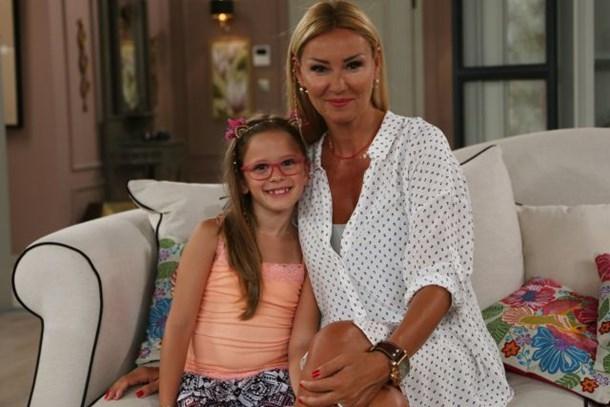 Pınar Altuğ'un kızı Çocuklar Duymasın'da rol aldı!