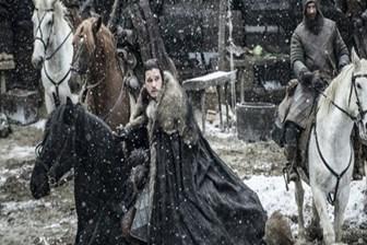 Game of Thrones'daki pelerinler IKEA kilimi çıktı!