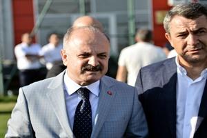 Vali Çakacak'dan Eskişehirspor'a ziyaret