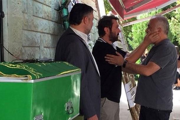 Halil Sezai babasını son yolculuğuna uğurladı!