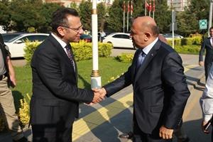 Başbakan Yardımcısı Işık, tapu dağıtım törenine katıldı