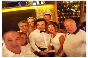 Hürriyet'e yabancı gelin! Çınar Oskay evlendi!