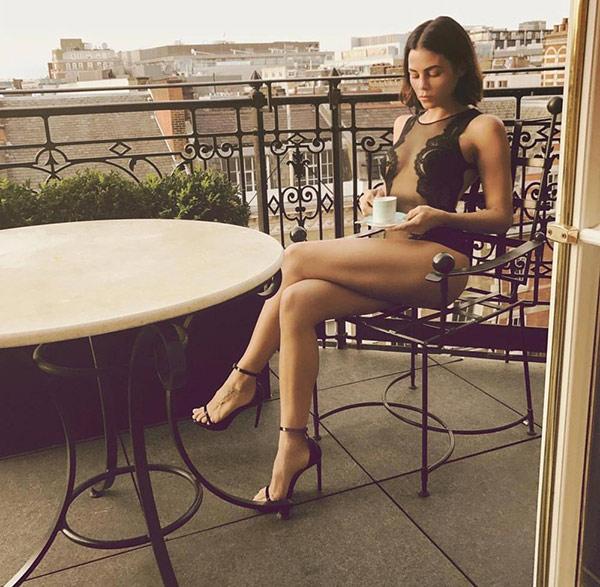 Jenna Dewan'dan iç çamaşırlı gövde gösterisi!