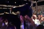 Yılın düğününe damga vuran anlar! Acun'u arkadaşları havaya fırlattı!
