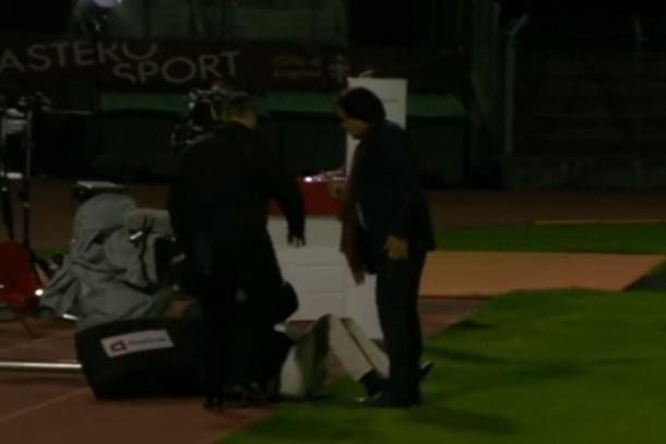 Futbol kulübü başkanı TV yorumcusunu dövdü!