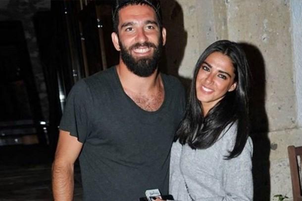 Arda Turan ile Aslıhan Doğan aşkı sona erdi! Instagram'dan açıkladı
