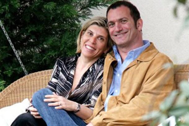 Ünlü sanatçının 22 yıllık evliliği tek celsede bitti!