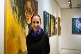 Hümeyra, ilk sergisini açtı: Dünyayı kadınlar kurtaracak