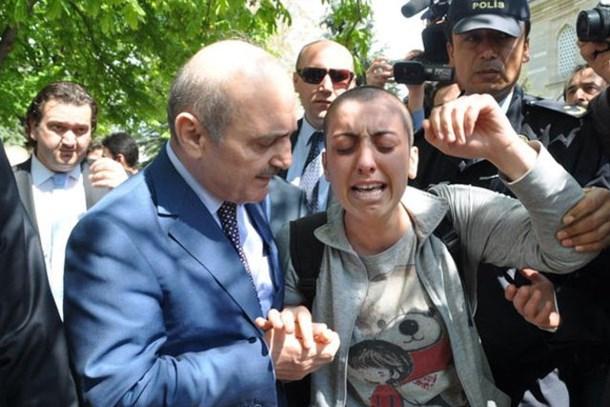 Erdoğan Bayraktar'a 'Ben dilenci değilim' demişti... Dilek'ten acı haber geldi!